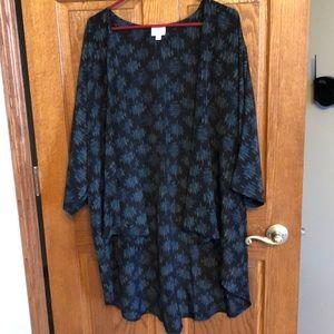 Lularoe Large Black & Blue Aztec Lindsay NWOT